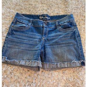 Ariya Jean Shorts Size 13/14